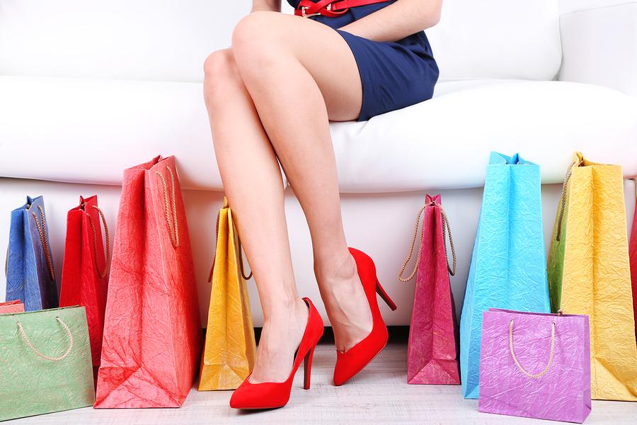 Galateo degli affari (Business Etiquette) in negozio durante lo shopping.