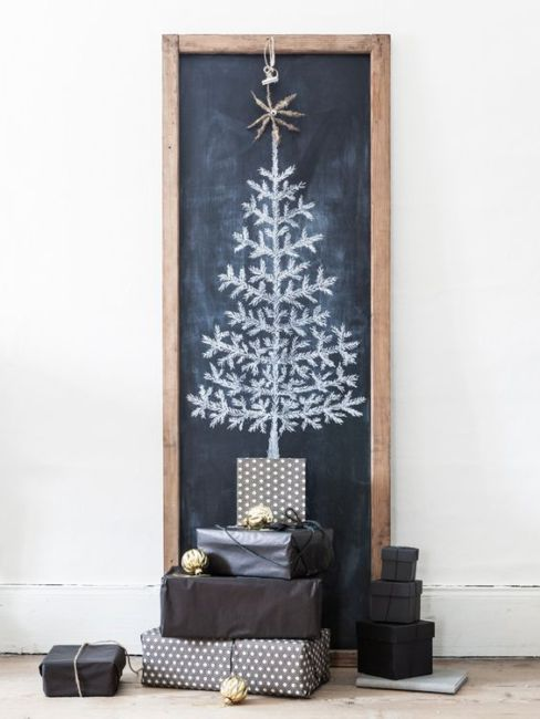 Albero di natale fai da te gesso e lavagna - DIY Christmas tree chalk and blackboard.