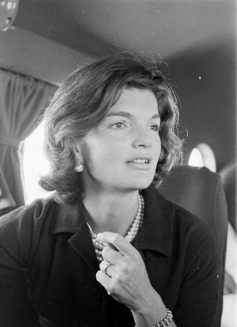 Jacqueline Kennedy Onassis icona di stile di eleganza - Jacqueline Kennedy Onassis elegance style icon.