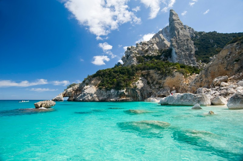 Vacanze in Sardegna e cosa visitare in Sardegna - Holidays in Sardinia and what to visit in Sardinia.