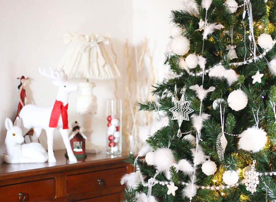 Come decorare l'albero di Natale - How to decorate the Christmas tree.