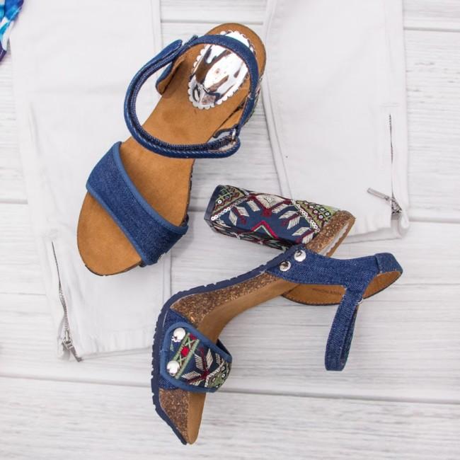 Goccia.clothing online shop, summer sandals.