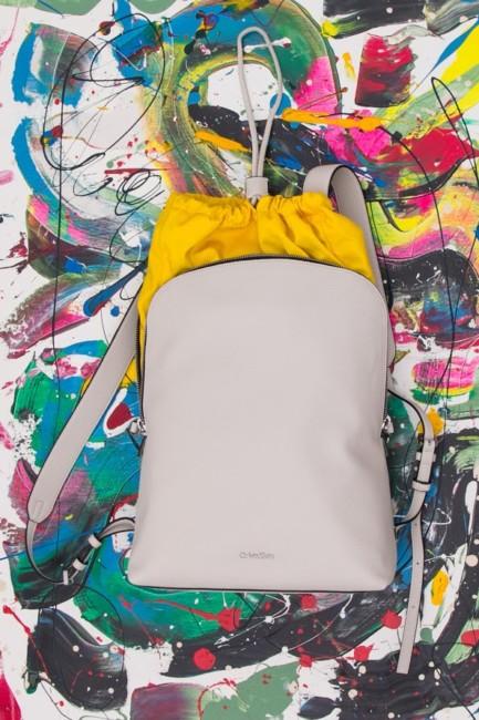 Shop online zaino bianco Calvin Klein su Goccia.clothing.