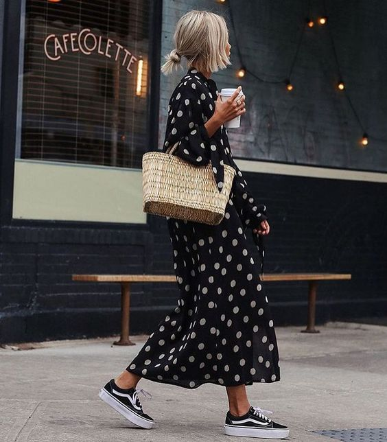 Straw bag and maxi dress with sneakers.
