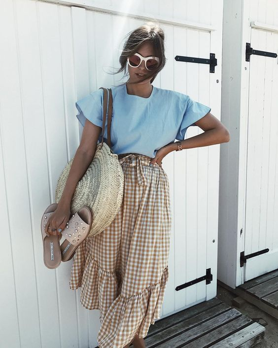 Straw bags inspired outfit.