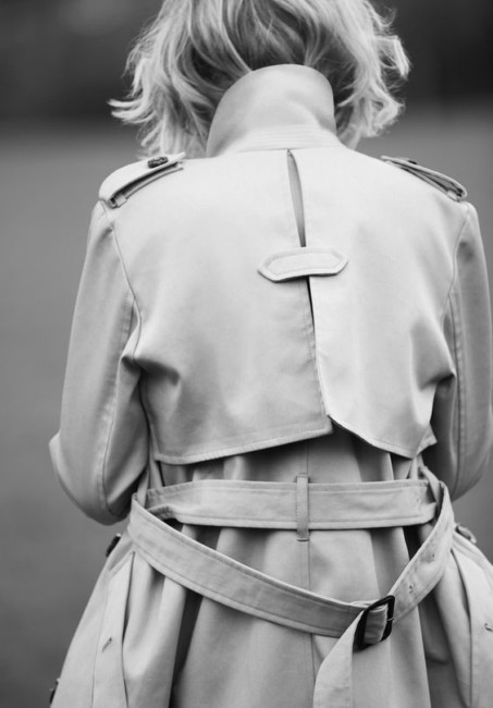how to wear a trench coat belt