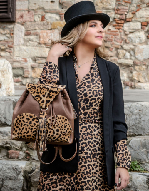 Animalier dress outfit idea.