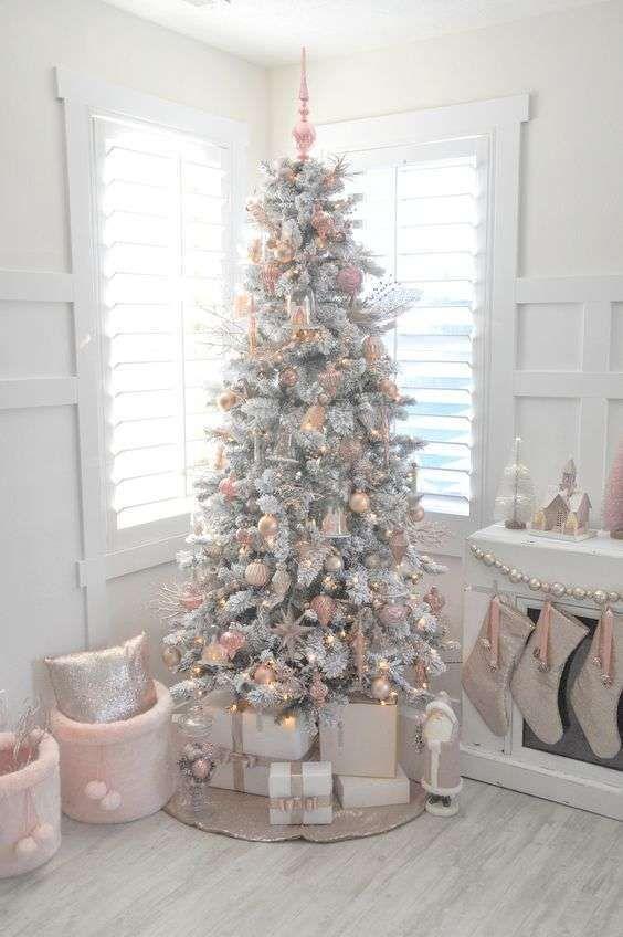 Albero Di Natale Rosa Cipria E Oro.Colori Di Natale Quale Scegliere Per Addobbare L Albero