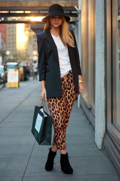 How to wear the animalier pants.