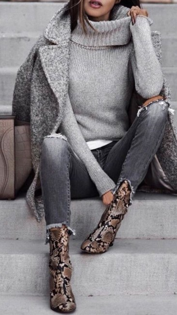 Animalier ankle boots outfit.