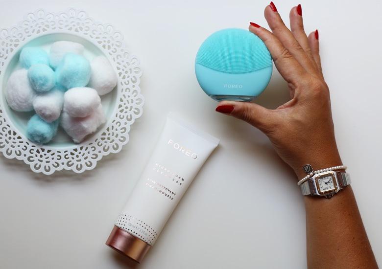 Spazzola intelligente per pulizia viso.