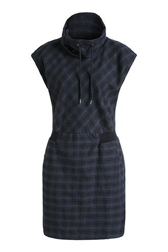 Dress with neck turtlenecks.