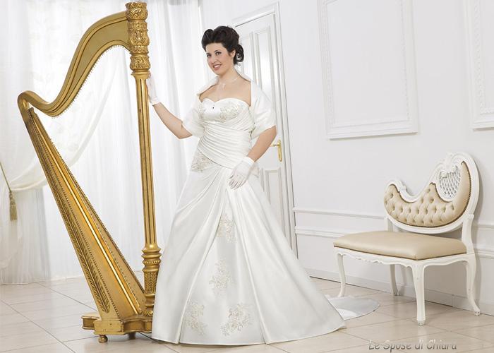 Collezione Dolci Linee di Le Spose di Chiara.