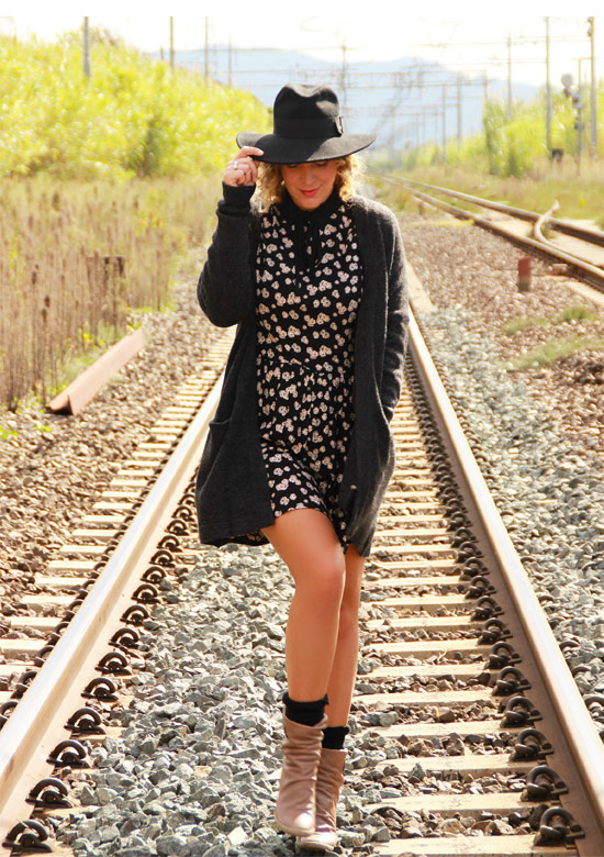 Come indossare il cardigan - How to wear the cardigan.