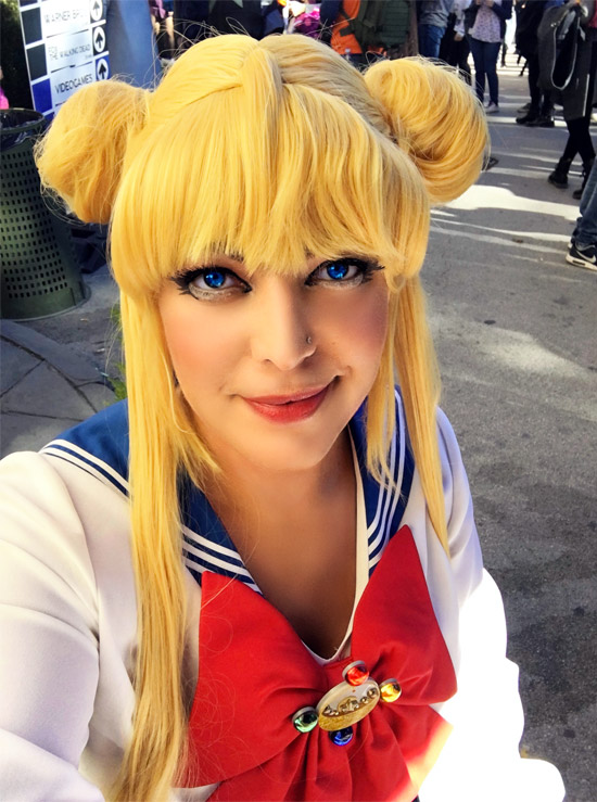 Fashion Snobber cosplay selfie.