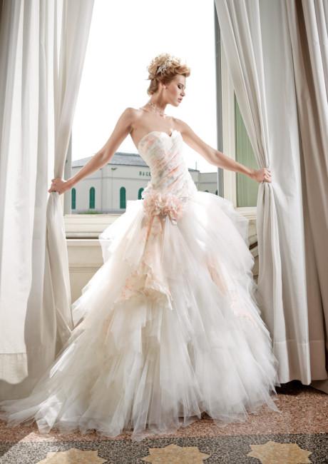 Magnani Sposa Atelier wedding dress.