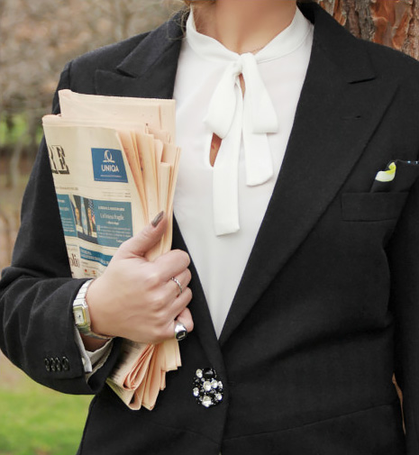 Mannish style outfit tuxedo details.