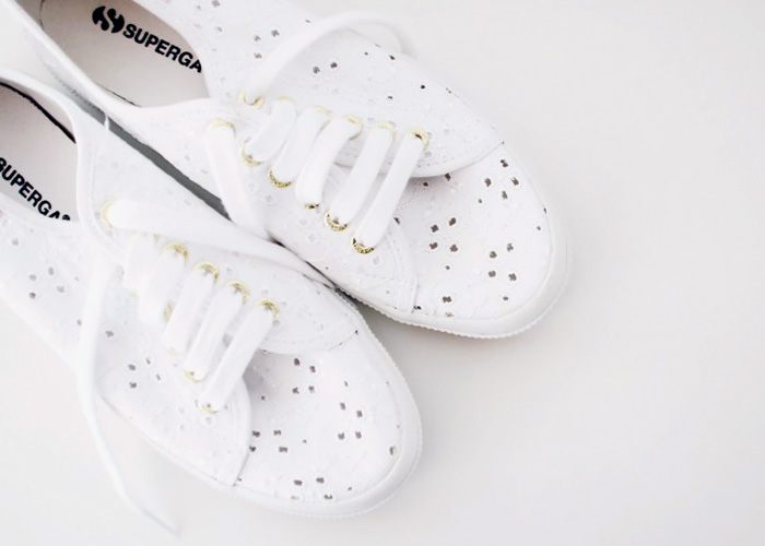 Sneakers Superga in pizzo.