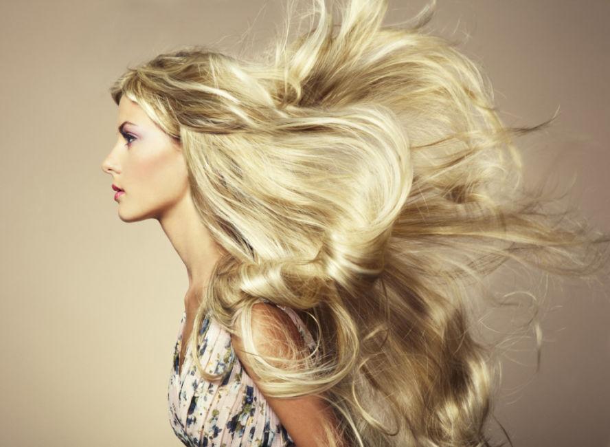 5 step per rendersi cura dei capelli biondo chiaro.