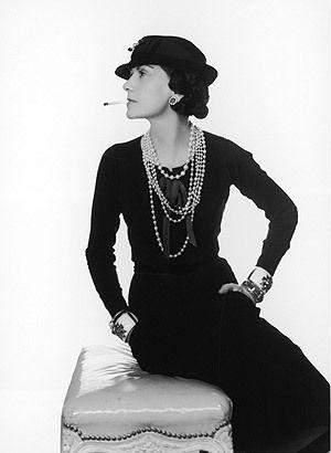 Coco Chanel icona di stile di eleganza - Coco Chanel elegance style icon.