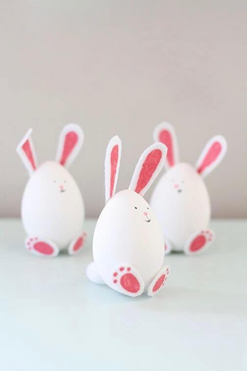 DIY Easter eggs rabbit.