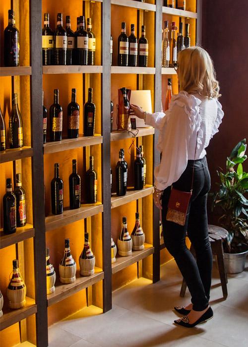 Collaborazione tra vino e moda.