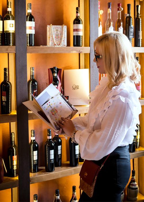 Wine packaging Sapaf Atelier luxury brand.