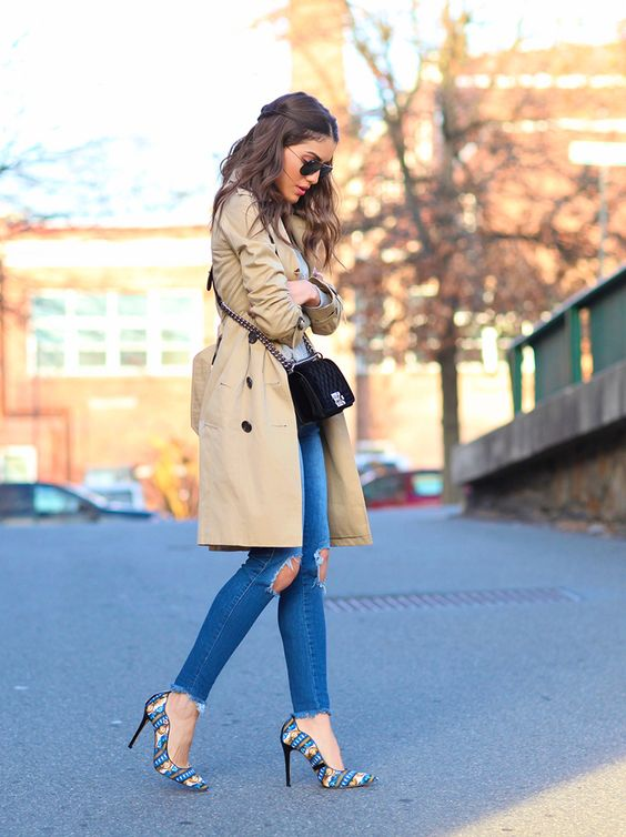 Trench coat outfit inspiration.