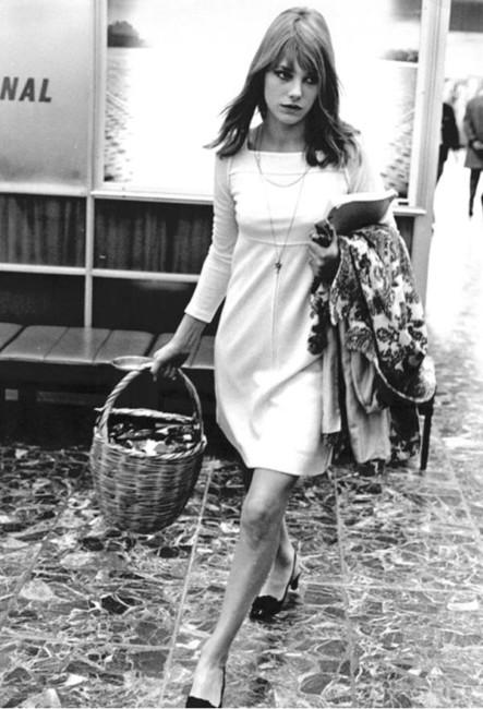 Jane Birkin e cestino di paglia.