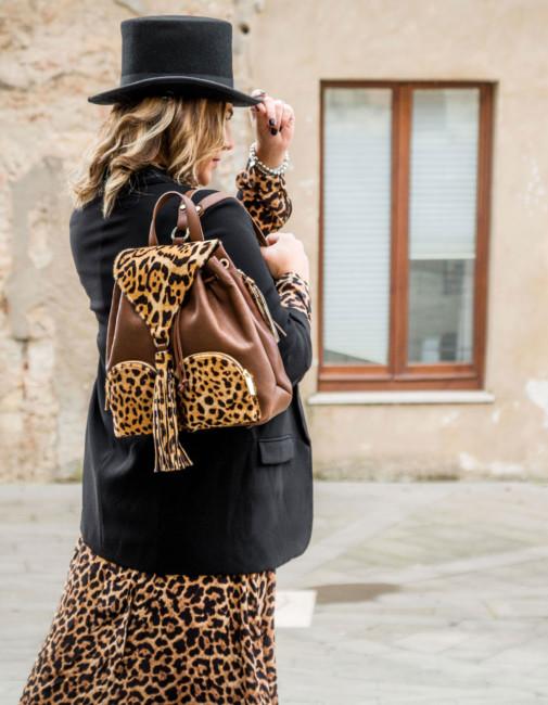Idee di look borse animalier - Animalier bags look ideas.