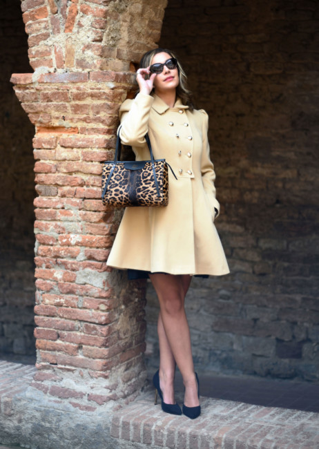 Winter chic bon ton look animalier city bag.