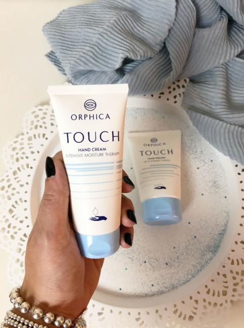 Hands cream.