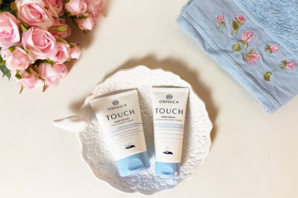 ORPHICA and the new Touch line peeling and hand cream