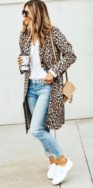 Casual look animalier.
