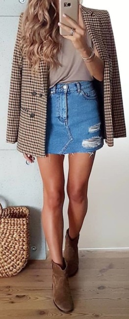 Ankle boots mini skirt outfit.