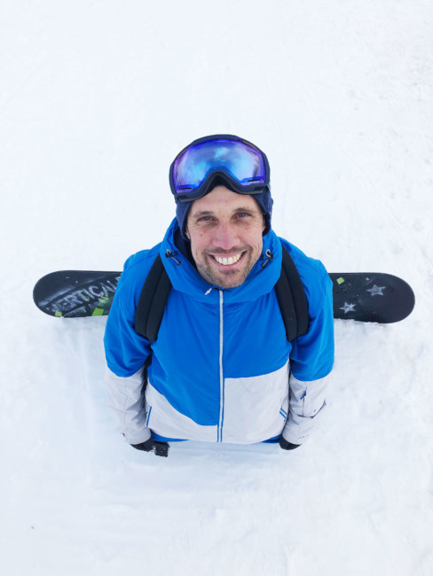 Why choose to practice snowboarding.