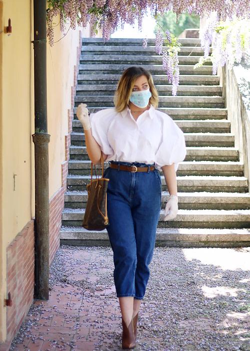 Guanti e mascherine nuovi accessori outfit indispensabili per affrontare il Coronavirus.