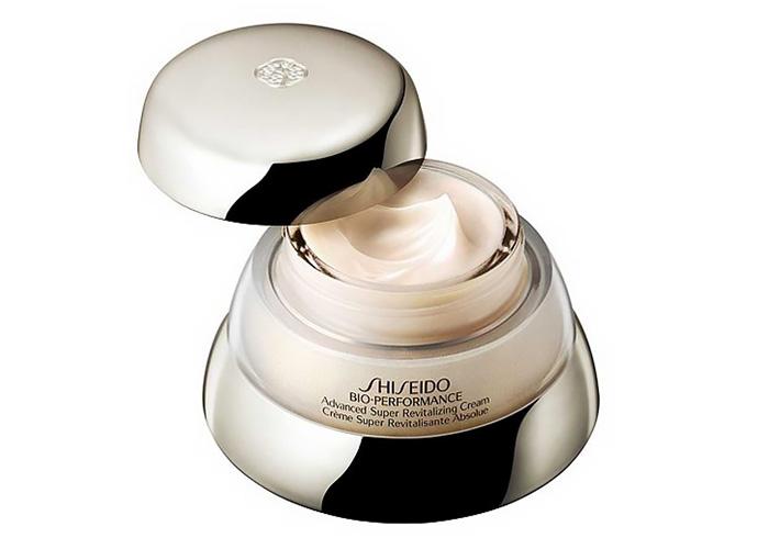 Migliore crema antirughe Shiseido: la più venduta al mondo è la Bio-Performance.